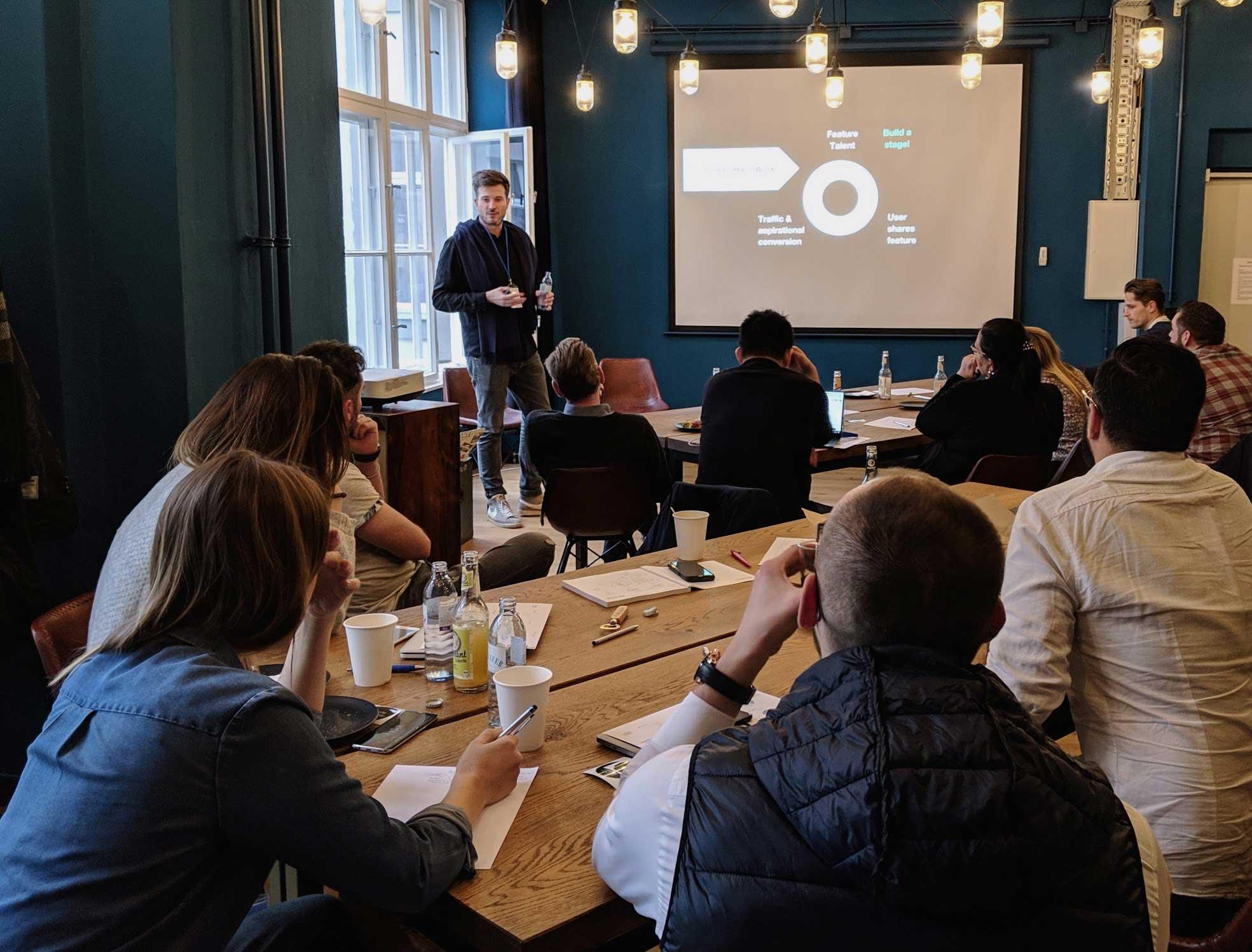 GROWTH AKADEMIE KOMPAKT 2019 in Berlin - Lorenz Aschoff (Co-founder & CPO, EyeEM)